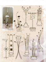 žvakides, pakabos, kušetės, stovai gelems, geliu stovas, baldai iš metalo, metaliniai baldai, dirbiniai iš metalo, interjeras, interjero detalės, metalines įrankiai prie židinio, stalas,