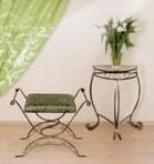 baldai iš metalo, pakabos, kušetės, stovai gelems, geliu stovas, metaliniai baldai, dirbiniai iš metalo, interjeras, interjero detalės, metalines zvakides, įrankiai prie židinio, stalas