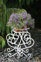 gėlių stovas , gėlių stovas, stovai gėlėms, metaliniai baldai, interjeras, interjero detalės, interjero aksesuarai