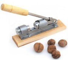 Įrankis riešutams gliaudyti