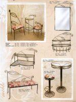 stalas, kušetės, kedės, interjeras, interjero detalės, metalines zvakides, įrankiai prie židinio, pakabos, stovai gelems, geliu stovas, baldai iš metalo, metaliniai baldai, dirbiniai iš metalo