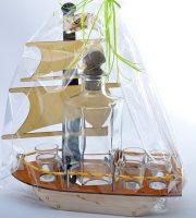 suvenyras laivas su stikliukais
